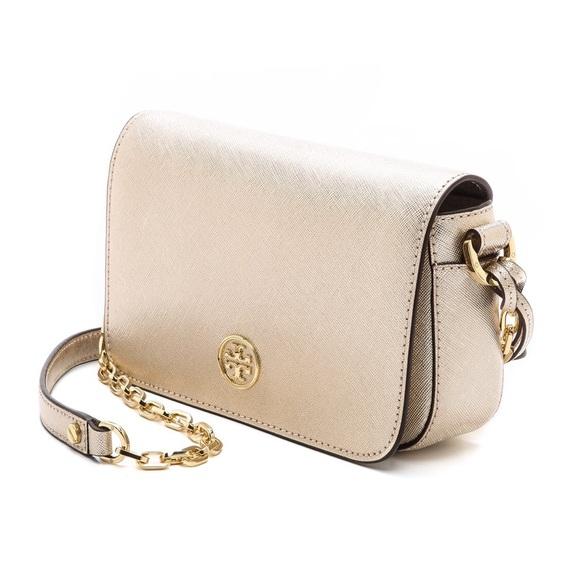 5032928a543 Tory Burch -Robinson Metallic Chain Mini Bag. M 5aaea25985e605b4ea3857c0